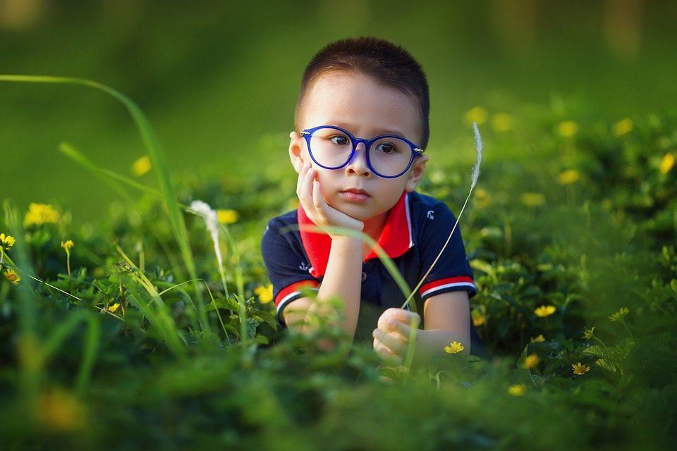 Enseña a tus hijos a cuidar de sus gafas
